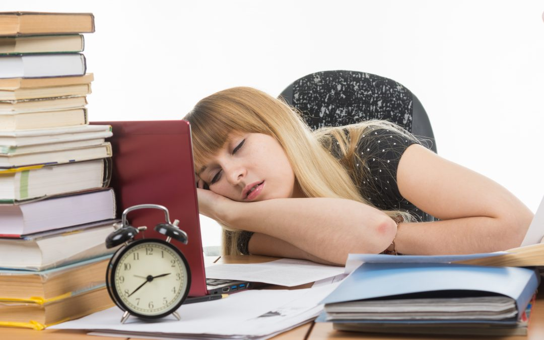 SLEEP DEPRIVATION AND WEIGHT GAIN – WHAT'S THE LINK?